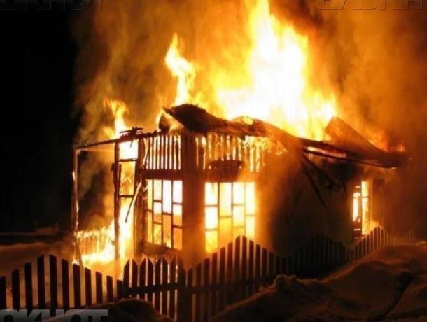 Пожар в хозпостройке подарил беспокойное утро среднеахтубинцам