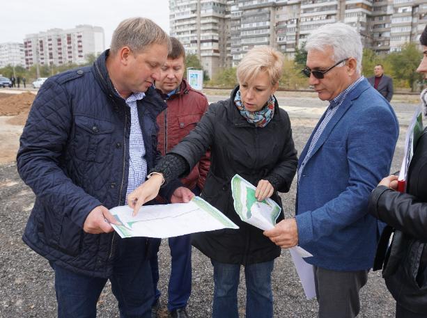 Шесть благоустроенных проектов проверили в Волжском
