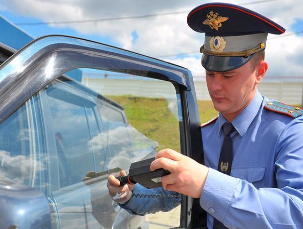 Волжские автолюбители в шоке: тонировку приравняли к неисправности и лишают за нее регистрации