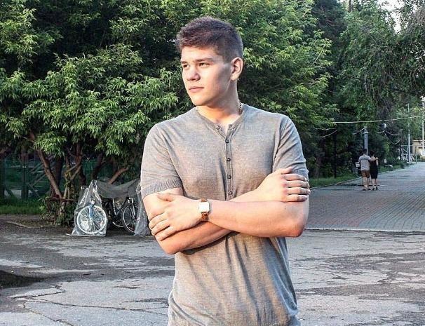 Булатова, подозреваемого в убийстве семьи из Волжского, оставили за решеткой