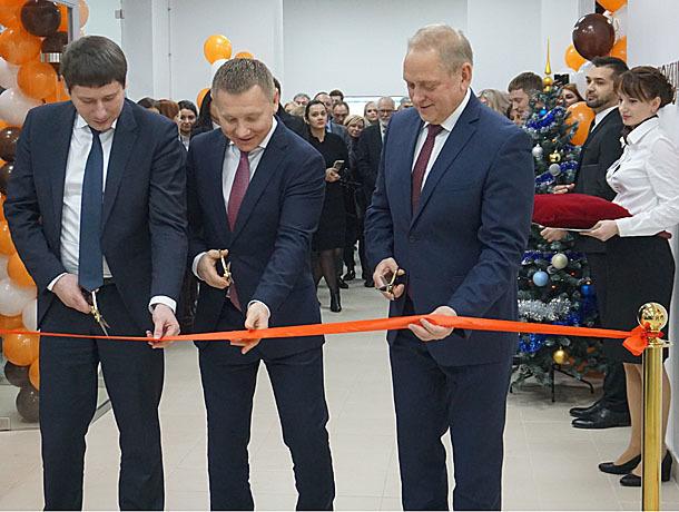 Персональный МФЦ для бизнесменов открыли на Фонтанке в Волжском