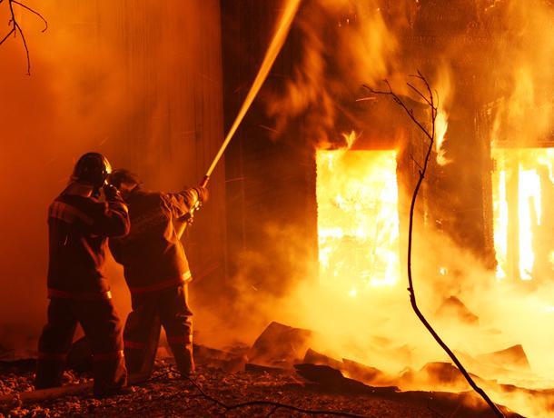 Своего дома в результате пожара лишилась семья из Среднеахтубинского района