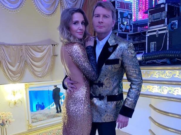 Известную волжанку Юлию Ковальчук «застукали» в объятьях Баскова