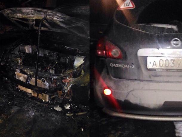 Ночью сгорел автомобиль Nissan Qashqai в Волжском