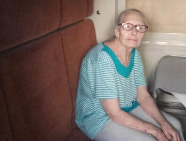 В Волжском начали поиски пожилой женщины, страдающей потерей памяти