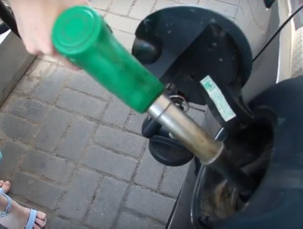 Бензин подешевел: волжане почувствовали облегчение