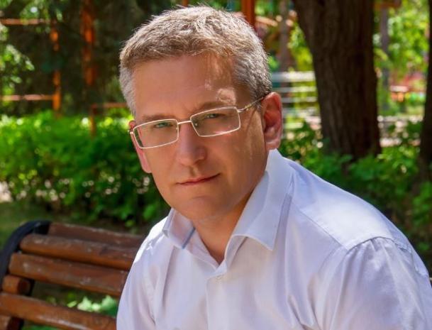 Сергей Аксенов поздравляет волжан с государственным праздником