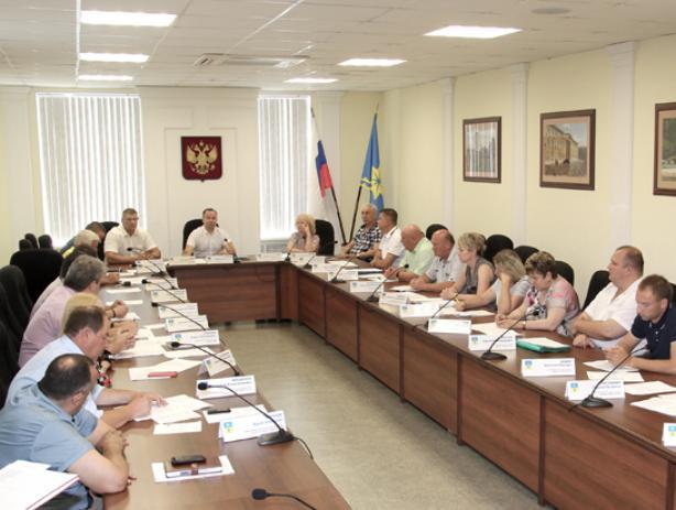 Бедные единороссы Волжского попросили не давить на них в вопросе пенсии
