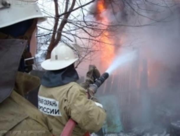 Предновогодний поход в баню закончился пожаром под Волжским