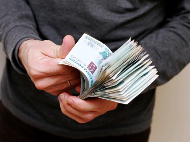 Начальник почты украла у волжан полмиллиона рублей