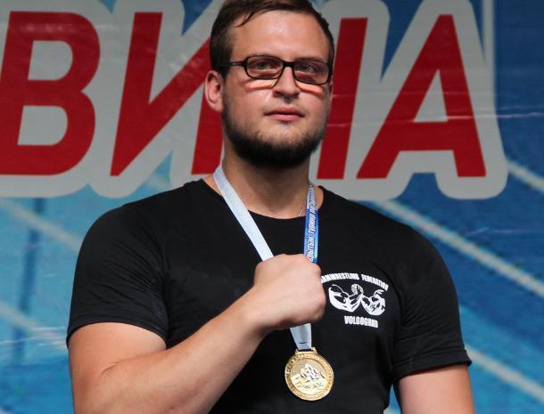 Волжанин стал лучшим спортсменом по армрестлингу в России