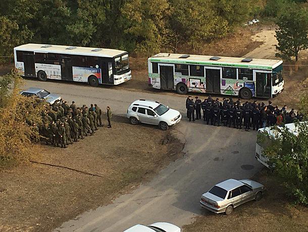 К поискам пропавших девушек в Волжском подключили солдат
