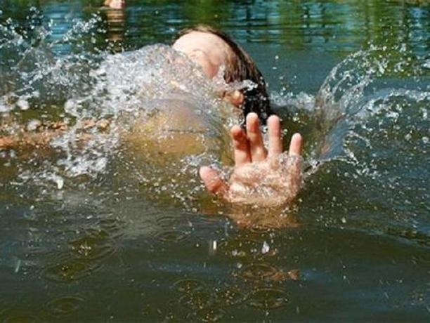 Страшная трагедия на реке Ахтуба: на глазах толпы утонул ребенок